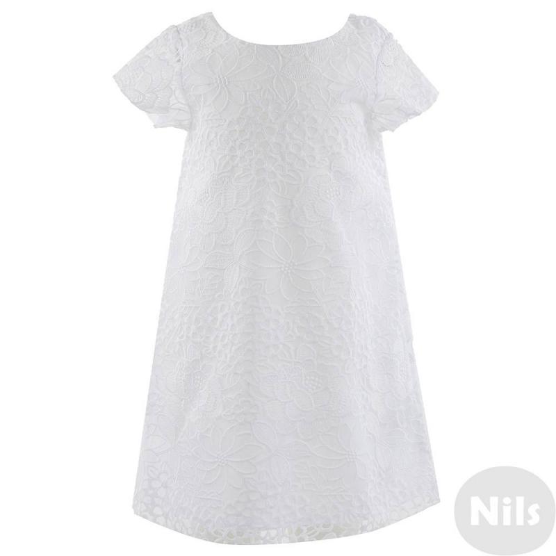 ПлатьеПлатье белого цвета марки MAYORAL для девочек. Платье кроя трапеция с коротким рукавом выполненоиз полупрозрачного материала с вышитыми цветами и продублировано подкладкой. Квадратный вырез на спинке украшен бантом и складками. Платье застегивается на потайную молнию.<br><br>Размер: 6 лет<br>Цвет: Белый<br>Рост: 116<br>Пол: Для девочки<br>Артикул: 611014<br>Страна производитель: Китай<br>Сезон: Весна/Лето<br>Состав: 77% Полиэстер, 23% Полиамид<br>Состав подкладки: 85% Полиэстер, 15% Хлопок<br>Бренд: Испания<br>Вид застежки: Молния