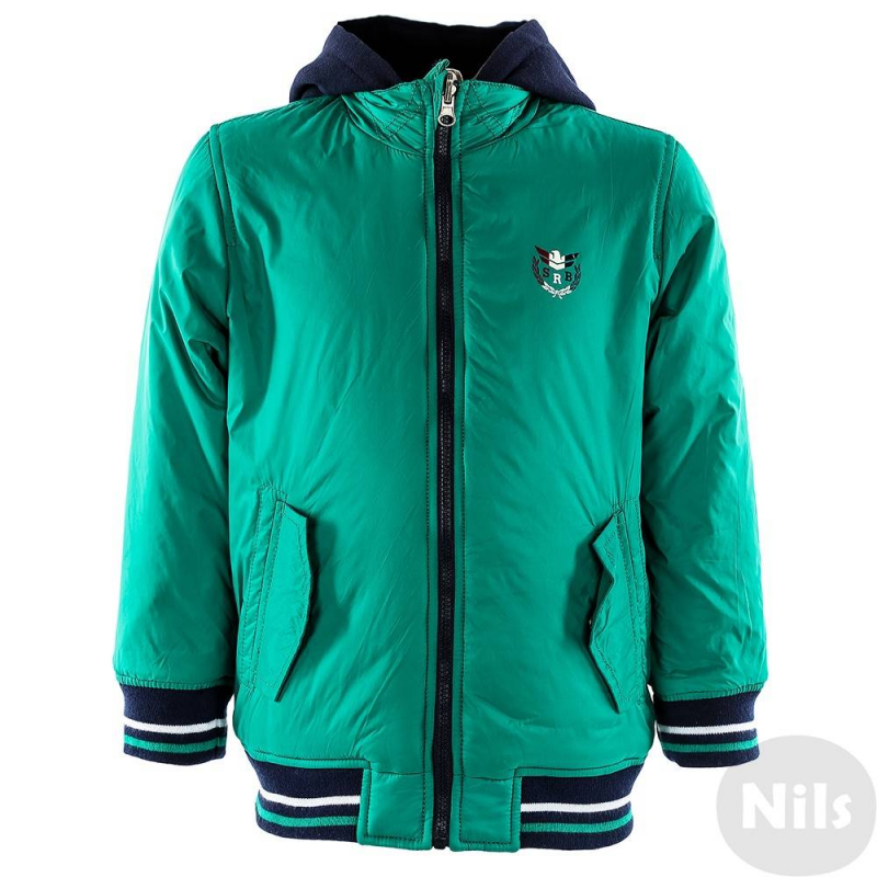 КурткаДвухсторонняя куртка зеленогоцвета марки SARABANDA для мальчиков. Куртка со съемным капюшоном имеет тонкий слой утеплителя, по два кармана с каждой стороны, манжеты и низ из эластичного трикотажа. Куртка украшена стильной нашивкой с британским флагом и вышивкой Летная академия на одной стороне, а также принтом с гербом на груди на другой стороне.<br><br>Размер: 6 лет<br>Цвет: Зеленый<br>Рост: 116<br>Пол: Для мальчика<br>Артикул: 611246<br>Бренд: Италия<br>Страна производитель: Китай<br>Сезон: Всесезонный<br>Состав: 100% Полиамид<br>Состав подкладки: 100% Полиамид<br>Вид застежки: Молния<br>Наполнитель: 100% Полиэстер