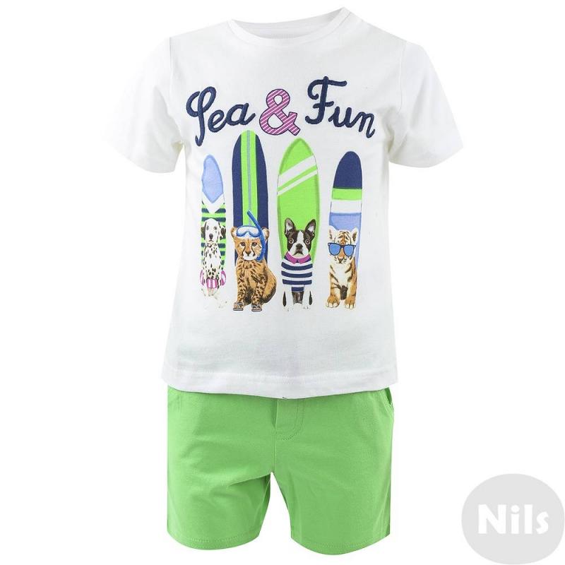 КомплектКомплект шорты + футболка и майкамарки Mayoral для мальчиков.Однотонные шорты зеленого цвета сочетаются как с футболкой, так и с майкой. Пояс на резинке дополнительно регулируется шнурком. Футболки (одна с коротким рукавом, вторая без рукавов) выполнены из стопроцентного хлопка белого цвета и украшены принтами на тему животные на пляже<br><br>Размер: 9 месяцев<br>Цвет: Зеленый<br>Рост: 74<br>Пол: Для мальчика<br>Артикул: 610638<br>Страна производитель: Индия<br>Сезон: Весна/Лето<br>Состав: 100% Хлопок<br>Бренд: Испания