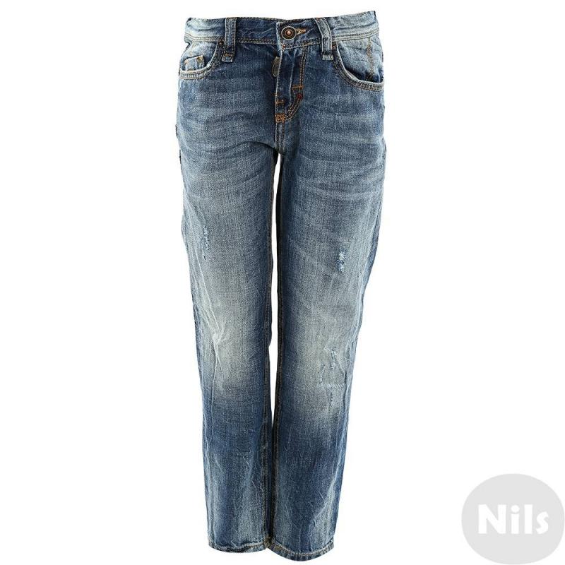 ДжинсыДжинсы марки Antony Moratoдля мальчиков. Модные джинсы синего цвета с пятью карманами, декоративными складками и эффектом потертости. Застегиваются на молнию и кнопку. Фасон Slim (зауженные)<br><br>Размер: 10 лет<br>Цвет: Синий<br>Рост: 140<br>Пол: Для мальчика<br>Артикул: 611861<br>Страна производитель: Сербия<br>Сезон: Весна/Лето<br>Состав: 100% Хлопок<br>Бренд: Италия