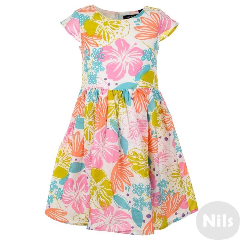 ПлатьеРазноцветное платье с коротким рукавом марки Blue Seven для девочек. Летнее платье выполнено из чистого хлопка с крупным цветочным принтом, продублировано тонкой подкладкой. Платье застегивается на пуговицы на спинке.<br><br>Размер: 6 лет<br>Цвет: Белый<br>Рост: 116<br>Пол: Для девочки<br>Артикул: 612556<br>Страна производитель: Индия<br>Сезон: Весна/Лето<br>Состав: 100% Хлопок<br>Состав подкладки: 100% Хлопок<br>Бренд: Германия<br>Вид застежки: Пуговицы