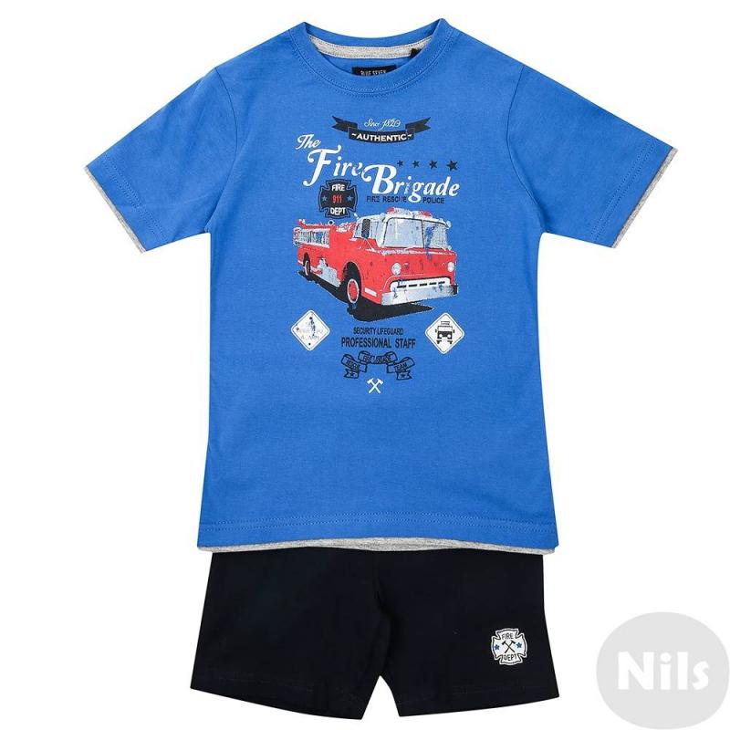 КомплектКомплект шорты + футболка марки Blue Seven для мальчиков. Комплект выполнен из натурального хлопка. Синяя футболка с коротким рукавом украшена стильным принтом с пожарной машиной, а также отделкой рукавов и низа, создающей эффект многослойности. Темно-синие шорты с поясом на резинке украшены логотипом.<br><br>Размер: 4 года<br>Цвет: Синий<br>Рост: 104<br>Пол: Для мальчика<br>Артикул: 612854<br>Страна производитель: Бангладеш<br>Сезон: Весна/Лето<br>Состав верха: 100% Хлопок<br>Состав низа: 100% Хлопок<br>Бренд: Германия