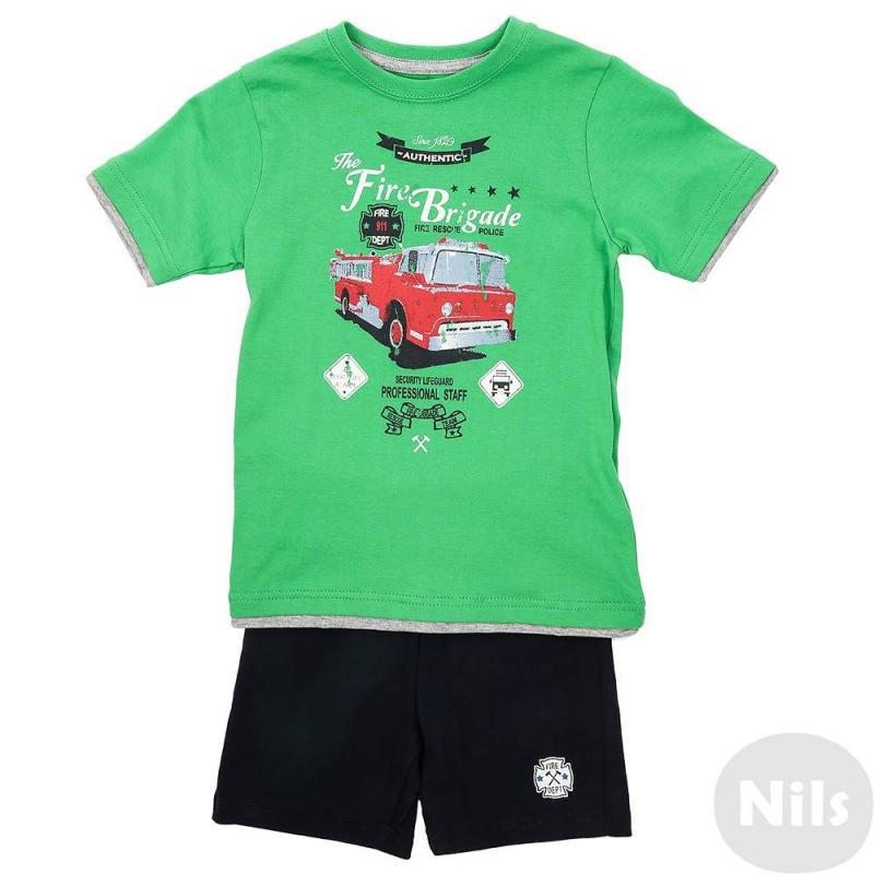 КомплектКомплект шорты + футболка марки Blue Seven для мальчиков. Комплект выполнен из натурального хлопка. Зеленаяфутболка с коротким рукавом украшена стильным принтом с пожарной машиной, а также отделкой рукавов и низа, создающей эффект многослойности. Темно-синие шорты с поясом на резинке украшены логотипом.<br><br>Размер: 8 лет<br>Цвет: Зеленый<br>Рост: 128<br>Пол: Для мальчика<br>Артикул: 612865<br>Бренд: Германия<br>Страна производитель: Бангладеш<br>Сезон: Весна/Лето<br>Состав верха: 100% Хлопок<br>Состав низа: 100% Хлопок