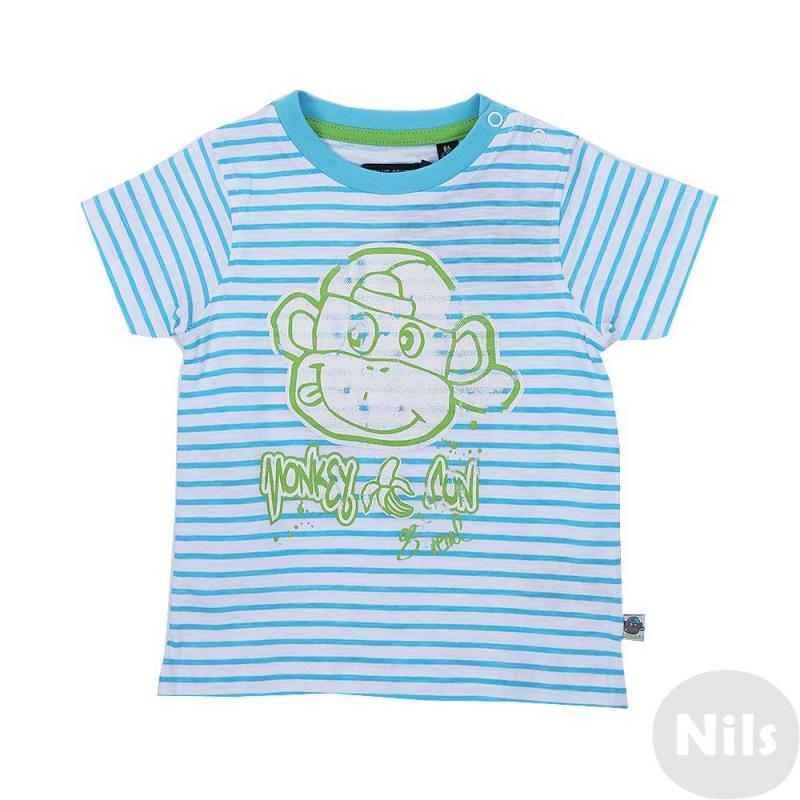ФутболкаФутболка в голубую полоску марки Blue Seven для мальчиков. Футболка с коротким рукавом выполнена из хлопкового трикотажа, застегивается на две кнопки на плече. Футболка украшена стильным зеленым принтом с обезьянкой.<br><br>Размер: 3 месяца<br>Цвет: Голубой<br>Рост: 62<br>Пол: Для мальчика<br>Артикул: 613025<br>Бренд: Германия<br>Страна производитель: Бангладеш<br>Сезон: Весна/Лето<br>Состав: 100% Хлопок<br>Вид застежки: Кнопки