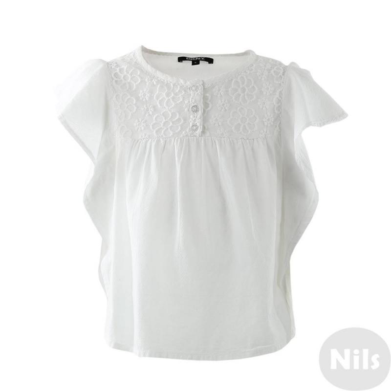 БлузкаБлузка из 100% хлопкадля девочки от бренда DKNY. Белоснежная блузка, украшенная вышивкой из цветов и тремя пуговицами на груди, из последнейколлекции известного американского бренда отлично подойдет к любому комплекту для девочки. Рукава блузки напоминают крылья бабочки и создают ощущение невесомости.<br><br>Размер: 10 лет<br>Цвет: Белый<br>Рост: 140<br>Пол: Для девочки<br>Артикул: 613379<br>Страна производитель: Китай<br>Сезон: Весна/Лето<br>Состав: 100% Хлопок<br>Бренд: США
