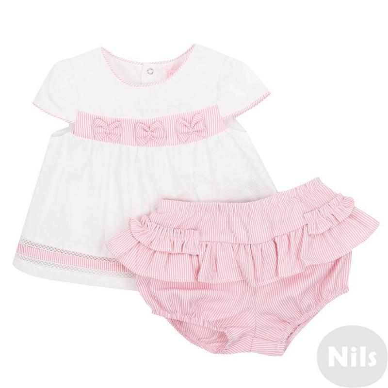 КомплектКомплект блузка + шорты розового цвета марки Mayoral для девочек. Комплект выполнен из фактурной хлопковой ткани. Блузка с короткимрукавоми складками на талии, украшена тремя бантами на поясе и тесьмой на подоле, застегивается на кнопки на спинке. Трусы-шортики имеют удобный пояс на резинке, декорированы рюшами.<br><br>Размер: 6 месяцев<br>Цвет: Розовый<br>Рост: 68<br>Пол: Для девочки<br>Артикул: 613677<br>Страна производитель: Марокко<br>Сезон: Весна/Лето<br>Состав верха: 90% Хлопок, 10% Полиэстер<br>Состав низа: 67% Полиэстер, 33% Хлопок<br>Бренд: Испания