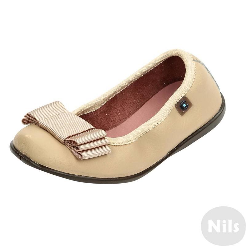 БалеткиБежевые балетки марки Conguitos для девочек. Балетки из натуральной кожи с покрытием, стелька кожаная. Верх присобран, что помогает обуви лучше держаться на ножке. Подошва прочная, нескользящая. Балетки украшены бантом из репсовой ленты.<br><br>Размер: 26<br>Цвет: Бежевый<br>Пол: Для девочки<br>Артикул: 614426<br>Страна производитель: Испания<br>Сезон: Весна/Лето<br>Материал верха: Натуральная кожа<br>Материал подкладки: Текстиль<br>Материал стельки: Натуральная кожа<br>Материал подошвы: ТПР (термопластичная резина)<br>Бренд: Испания
