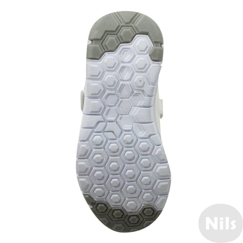 Кроссовки от Nils