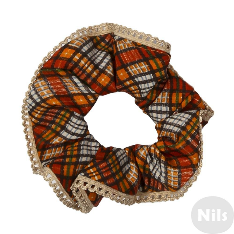 Резинка для волосРезинка для волосв клеточкумарки Infinity Art- отличное украшение повседневной прически. Оранжевая резинка вклеточкудополнена золотистым кружевнымкантом. Резинка эластичная, хорошо держит, не теряет форму.<br><br>Цвет: Оранжевый<br>Пол: Для девочки<br>Артикул: 615722<br>Страна производитель: Китай<br>Размер: Без размера