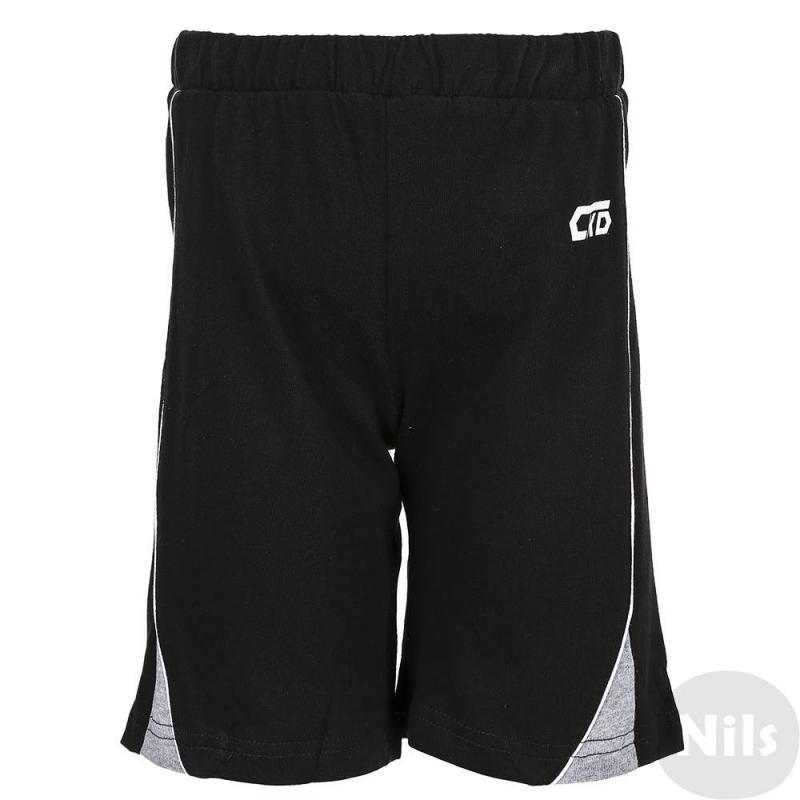 ШортыСпортивные шорты черного цвета марки Crockid для мальчиков. Простые трикотажные шорты выполнены из хлопка, пояс на удобной широкой резинке. Шорты украшены белыми полосками по бокам и логотипом.<br><br>Размер: 9 лет<br>Цвет: Черный<br>Размер: 134/72<br>Пол: Для мальчика<br>Артикул: 616021<br>Страна производитель: Узбекистан<br>Сезон: Всесезонный<br>Состав: 100% Хлопок<br>Бренд: Россия