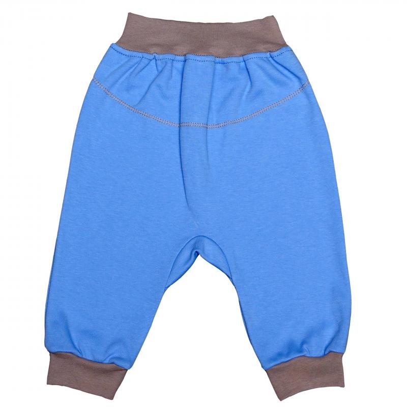 БрючкиБрючки голубогоцвета марки Мамуляндия для мальчиков. Штанишкивыполнены из мягкого хлопкового трикотажа, пояс и манжеты контрастного серого цвета. Широкий эластичный пояс не давит и обеспечивает комфорт малышу.<br><br>Размер: 2 месяца<br>Цвет: Голубой<br>Рост: 56<br>Пол: Для мальчика<br>Артикул: 616876<br>Страна производитель: Россия<br>Сезон: Всесезонный<br>Состав: 100% Хлопок<br>Бренд: Россия