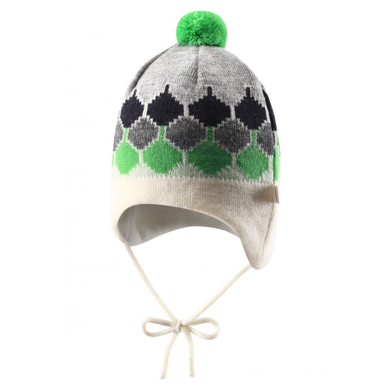 ШапкаЗимняя теплая шапка зеленого цвета марки REIMA для мальчиков.<br>Шапочка выполнена из чистойшерсти, подкладка из мягкого флиса, приятного на ощупь. Шапка дополнена ветронепроницаемыми вставкамив области ушей для дополнительной защиты от холода. Шапочка имеет удобные завязки. Забавный жаккардовый узор и помпон завершают зимний образ.<br>Рекомендации по уходу:стирать отдельно, вывернув наизнанку. Придать первоначальную форму вo влажном виде. Сушить при низкой температуре. Возможна усадка 5 %.<br><br>Размер: 9 месяцев<br>Цвет: Зеленый<br>Размер: 44-46<br>Пол: Для мальчика<br>Артикул: 617064<br>Страна производитель: Китай<br>Сезон: Осень/Зима<br>Состав: 100% Шерсть<br>Состав подкладки: 100% Полиэстер<br>Бренд: Финляндия
