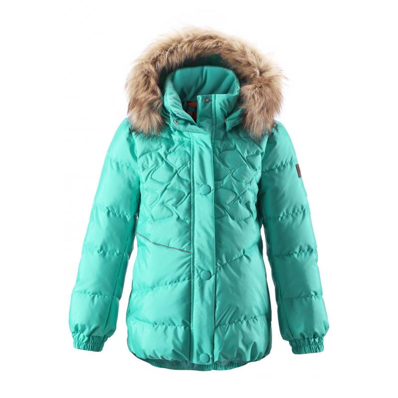 Куртка - REIMAКуртка-пуховик бирюзовогоцвета марки REIMAдлядевочек выполнена из ветронепроницаемоего дышащего материала с водо- и грязеотталкивающим покрытием. Пуховик с высокой степенью утепления, наполнитель пух/перо.<br>Безопасный съемный капюшон на кнопках дополнен отделкой из искусственного меха, которую можно отстегнуть. Сзади и спереди куртки есть светоотражающие элементы. Куртка имеет два кармана на молнии. Благодаря резинке-утяжке на поясе силуэт притален.<br>Куртку можно стирать в стиральной машине, материал быстро сохнет. Также за курткой можно ухаживатьс помощьювлажной губки или душа.<br><br>Размер: 6 лет<br>Цвет: Бирюзовый<br>Рост: 116<br>Пол: Для девочки<br>Артикул: 616426<br>Страна производитель: Китай<br>Сезон: Осень/Зима<br>Состав верха: 55% Полиамид, 45% Полиэстер<br>Состав подкладки: 100% Полиэстер<br>Бренд: Финляндия<br>Наполнитель: 60% Пух, 40% Перо<br>Покрытие: Полиуретан<br>Температура: от -10° до -30°