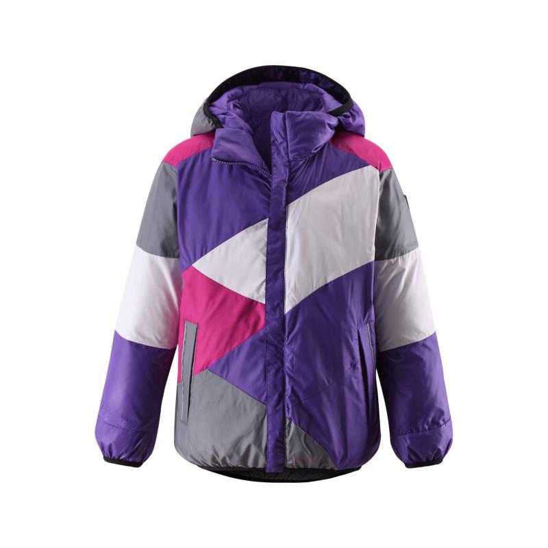 Двухсторонняя курткаДвухсторонний пуховик фиолетовогоцвета маркиREIMA для девочек выполнен из ветронепроницаемого и дышащего материала с водо- и грязеотталкивающим покрытием. Одна сторона однотонная красная, другая с разноцветным геометрическим рисунком.<br>Пуховик со съемным капюшономимеет по два кармана с каждой стороны. Капюшон, низ и манжеты отделаны эластичным кантом. На куртке много светоотражающих деталей, что обеспечивает безопасность ребенка.<br>Пуховик не теряет своих свойств при многократнойстирке в стиральной машине, быстро сохнет. Легкие загрязнения можнопротереть влажной губкой.<br><br>Размер: 10 лет<br>Цвет: Фиолетовый<br>Рост: 140<br>Пол: Для девочки<br>Артикул: 616381<br>Бренд: Финляндия<br>Страна производитель: Китай<br>Сезон: Осень/Зима<br>Состав верха: 100% Полиэстер<br>Состав подкладки: 100% Полиэстер<br>Наполнитель: 60% Пух, 40% Перо<br>Температура: от 0° до -20°