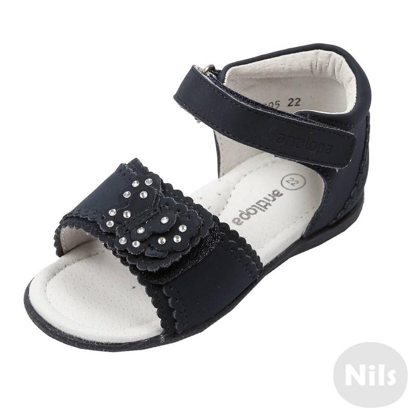 ТуфлиТуфли темно-синего цвета марки Antilopa для девочек. Туфли с открытым носом и закрытой пяточкой полностью сшиты из натуральной кожи. Регулируемые застежки-липучки обеспечивают идеальную посадку по ноге. Туфли украшены бабочкой со стразами. Прочная подошва с рельефным рисунком не скользит.<br><br>Размер: 23<br>Цвет: Темносиний<br>Пол: Для девочки<br>Артикул: 617374<br>Страна производитель: Китай<br>Сезон: Весна/Лето<br>Материал верха: Натуральная кожа<br>Материал подкладки: Натуральная кожа<br>Материал стельки: Натуральная кожа<br>Материал подошвы: ТЭП (термопластик)<br>Бренд: Россия