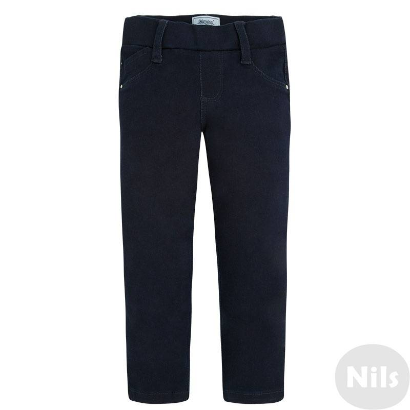 ЛеггинсыЛеггинсы темно-синего цвета марки MAYORAL для девочек. Леггинсы выполнены из джинсовой ткани, заужены книзу; сзади имеют два накладных кармана. Пояс на резинке и эластан в составе ткани обеспечивают идеальную посадку.<br><br>Размер: 8 лет<br>Цвет: Темносиний<br>Рост: 128<br>Пол: Для девочки<br>Артикул: 617645<br>Бренд: Испания<br>Страна производитель: Бангладеш<br>Сезон: Осень/Зима<br>Состав: 69% Хлопок, 28% Полиэстер, 3% Эластан