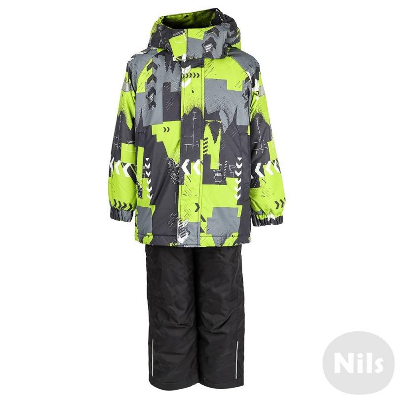 КомплектКомплект куртка + брюки серо-зеленого цвета марки LASSIE by REIMA для мальчиков. Комплект выполнен из водоотталкивающего ветронепроницаемого материала с ярким принтом. Брюки на регулируемых подтяжках выполнены из материала повышенной прочности.<br>Съемный капюшон на кнопках имеет мягкую подкладку, застегивается на липучку. Куртка оснащенадвумя карманами на липучках, а также светооражающими деталями для безопасности ребенка. Низ куртки регулируется шнурком со стопперами.<br>Брюки сэластичным поясом на резинке дополнены удобными подтяжками, которые при желании можно отстегнуть. Внутренние манжеты на штанинах эффективно защищают от снега.<br><br>Размер: 6 лет<br>Цвет: Зеленый<br>Рост: 116<br>Пол: Для мальчика<br>Артикул: 617215<br>Страна производитель: Китай<br>Сезон: Осень/Зима<br>Состав: 100% Полиэстер<br>Состав подкладки: 100% Полиэстер<br>Бренд: Финляндия<br>Наполнитель: 100% Полиэстер<br>Покрытие: Полиуретан<br>Температура: от 0° до -20°