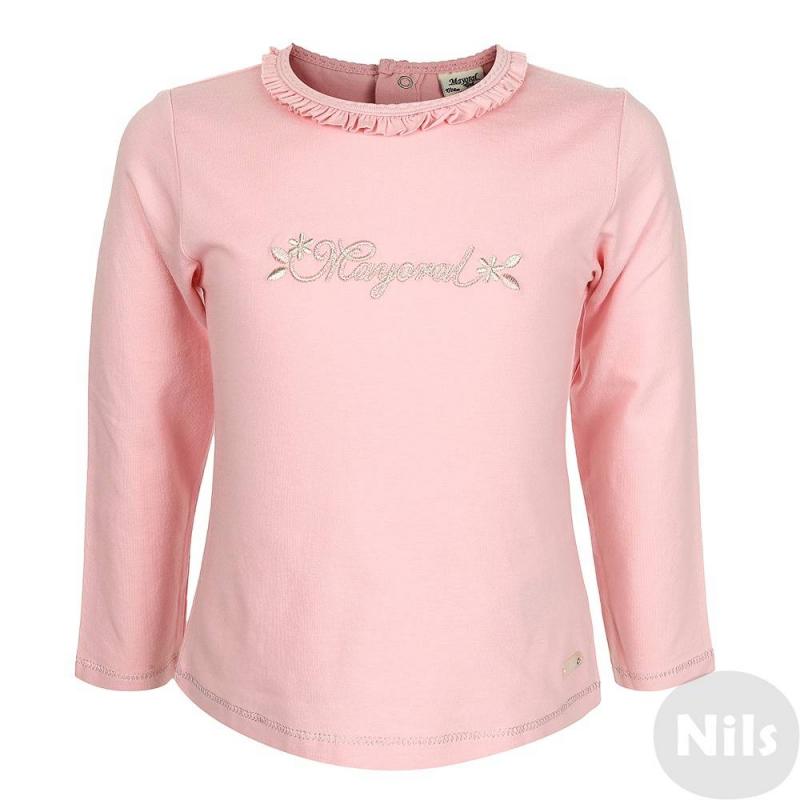 ФутболкаФутболка с длинным рукавом розового цвета маркиMAYORAL для девочек. Футболка выполнена из хлопка с небольшим добавлением эластана. Украшена фирменной вышивкой спереди, рукава и низ футболки прострочены блестящей нитью серебряного цвета. Воротник декорирован рюшей; застегивается футболка на кнопки на спинке.<br><br>Размер: 2 года<br>Цвет: Розовый<br>Рост: 92<br>Пол: Для девочки<br>Артикул: 617438<br>Страна производитель: Индия<br>Сезон: Осень/Зима<br>Состав: 95% Хлопок, 5% Эластан<br>Бренд: Испания<br>Вид застежки: Кнопки