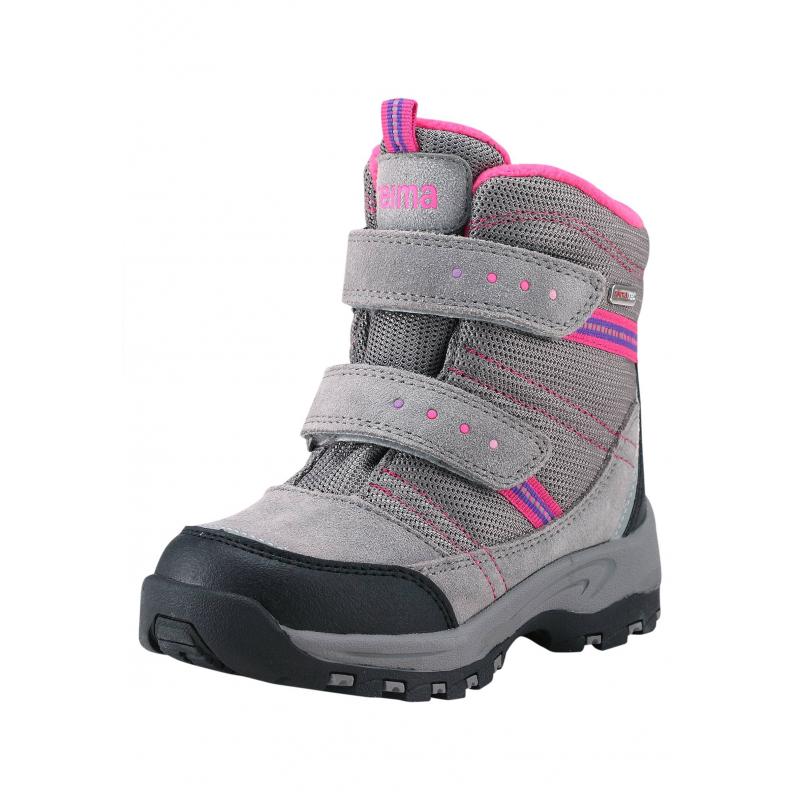 БотинкиВысокие ботинки серого цвета марки REIMA серии REIMA TEC для девочек. Зимние водонепроницаемые полусапожки выполнены из натуральной замши и прочного текстиля, нос и пяточка усиленывставками из износостойкого полиуретана. Подкладка из мягкого искусственного меха, верх отделан розовым флисом. Прочная и гибкая каучуковая подошва обеспечивает сцепление с поверхностью и не скользит.<br>Съемные стельки со специальным рисунком помогут подобрать правильный размер. Благодаря регулируемым застежкам-липучкам ботинки хорошо сидят на ноге. Светоотражающие детали обеспечивают безопасность ребенка.<br><br>Размер: 32<br>Цвет: Серый<br>Пол: Для девочки<br>Артикул: 618508<br>Страна производитель: Китай<br>Сезон: Осень/Зима<br>Материал верха: Полиэстер, Полиуретан, Натуральная кожа<br>Материал подкладки: Текстиль<br>Материал стельки: Текстиль<br>Материал подошвы: ТПР (термопластичная резина)<br>Бренд: Финляндия<br>Температура: от 0° до -20°