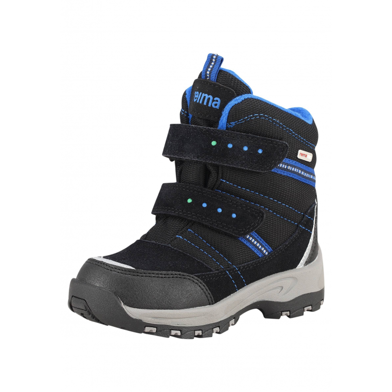 БотинкиВысокие ботинки черно-синегоцвета марки REIMA серии REIMA TEC для мальчиков. Зимние водонепроницаемые полусапоги выполнены из натуральной замши и прочного текстиля, нос и пяточка усиленывставками из износостойкого полиуретана. Подкладка из мягкого искусственного меха, верх отделан флисом. Прочная и гибкая каучуковая подошва обеспечивает сцепление с поверхностью и не скользит.<br>Съемные стельки со специальным рисунком помогут подобрать правильный размер. Благодаря регулируемым застежкам-липучкам ботинки хорошо сидят на ноге. Светоотражающие детали обеспечивают безопасность ребенка.<br><br>Размер: 27<br>Цвет: Синий<br>Пол: Для мальчика<br>Артикул: 618518<br>Страна производитель: Китай<br>Сезон: Осень/Зима<br>Материал верха: Полиэстер, Полиуретан, Натуральная кожа<br>Материал подкладки: Текстиль<br>Материал стельки: Текстиль<br>Материал подошвы: ТПР (термопластичная резина)<br>Бренд: Финляндия<br>Температура: от 0° до -20°