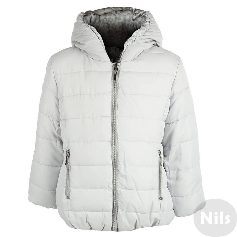 Двусторонняя курткаДвусторонняя демисезонная куртка серого цвета марки Mayoral для девочек. Куртка на молнии с одной стороны однотонная серая, с другой стороны украшена пятнистым принтом. Капюшон, манжеты и низ куртки на резиночке. С каждой стороны есть по два кармана.<br><br>Размер: 7 лет<br>Цвет: Серый<br>Рост: 122<br>Пол: Для девочки<br>Артикул: 619150<br>Страна производитель: Китай<br>Сезон: Осень/Зима<br>Состав: 100% Полиэстер<br>Состав подкладки: 100% Полиэстер<br>Бренд: Испания<br>Вид застежки: Молния<br>Наполнитель: 100% Полиэстер