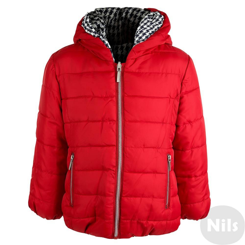 Двусторонняя курткаДвусторонняя демисезонная куртка красногоцвета марки Mayoral для девочек. Куртка на молнии с одной стороны однотонная красная, с другой стороны украшена принтом в гусиную лапку. Капюшон, манжеты и низ куртки на резиночке. С каждой стороны есть по два кармана.<br><br>Размер: 5 лет<br>Цвет: Красный<br>Рост: 110<br>Пол: Для девочки<br>Артикул: 619155<br>Страна производитель: Китай<br>Сезон: Осень/Зима<br>Состав: 100% Полиэстер<br>Состав подкладки: 100% Полиэстер<br>Бренд: Испания<br>Вид застежки: Молния<br>Наполнитель: 100% Полиэстер