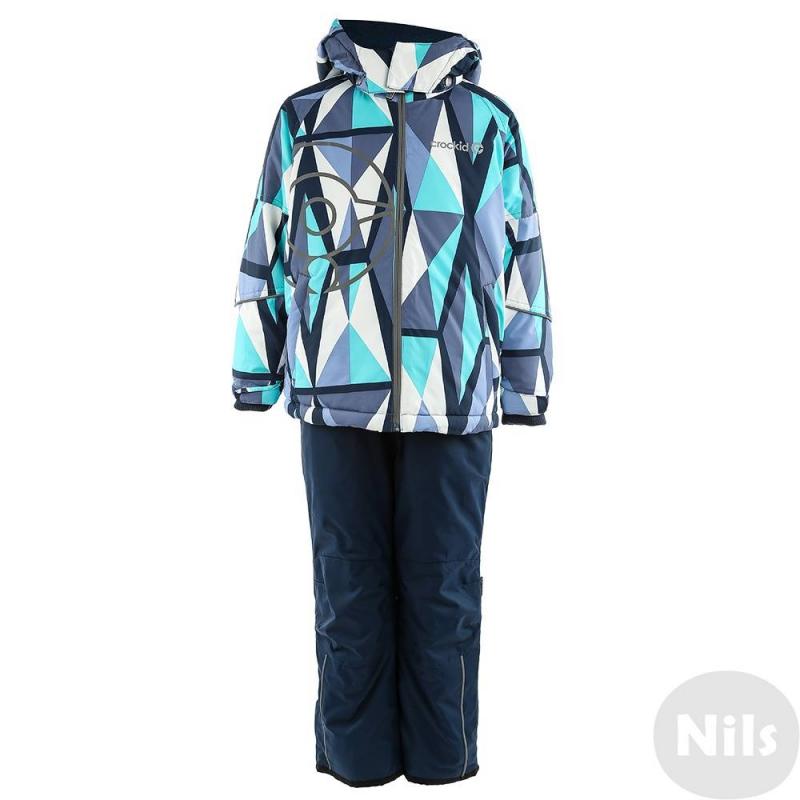 КомплектЗимний комплекттемно-синего цвета марки Crockid длямальчиковвыполнен из водо- и ветронепроницаемого материала, который дышит и эффективно выводит лишнюю влагу в виде пара. Мембрана 5000 мм. Легкий и комфортный утеплитель нового поколения Fellex прекрасно сохраняет тепло, дышит.<br>Куртка имеет мягкую флисовую подкладку, съемный капюшон на кнопках, два кармана на молнии, удобные трикотажные манжеты, а также множество светоотражающих деталей для безопасности ребенка. Молния непромокаемая. Низ куртки регулируется эластичным шнурком со стопперами. Манжеты регулируются липучками.<br>Теплые брюки на эластичных регулируемых подтяжках имеют два кармана на молнии, внутренние манжеты для защиты от снега и светоотражающие детали.Низ штанин регулируется по ширине с помощью липучек.<br><br>Размер: 6 лет<br>Цвет: Темносиний<br>Рост: 110-116<br>Пол: Для мальчика<br>Артикул: 620027<br>Страна производитель: Китай<br>Сезон: Осень/Зима<br>Состав: 80% Полиэстер, 20% Полиуретан<br>Состав низа: 80% Нейлон, 20% Полиуретан<br>Состав подкладки: 100% Полиэстер<br>Бренд: Россия<br>Наполнитель: 100% Полиэстер<br>Температура: до -20°