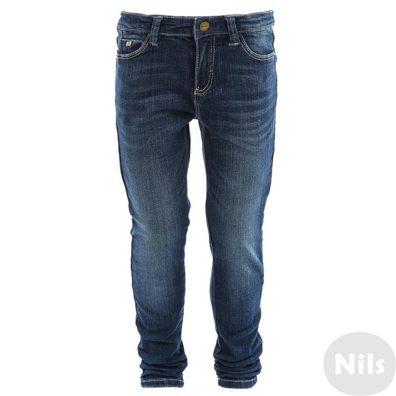 ДжинсыСиние джинсы марки Mayoral для девочек. Классические джинсы зауженного кроя с легким эффектом потертости имеют пять карманов, застегиваются на молнию и кнопку. Регулируемый пояс обеспечивает отличную посадку на талии.<br><br>Размер: 8 лет<br>Цвет: Синий<br>Рост: 128<br>Пол: Для девочки<br>Артикул: 620282<br>Страна производитель: Бангладеш<br>Сезон: Осень/Зима<br>Состав: 99% Хлопок, 1% Эластан<br>Бренд: Испания