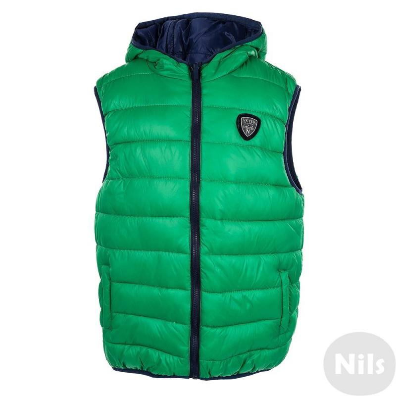 ЖилетДвухсторонний жилет зеленого цвета марки Mayoral для мальчиков. Жилет на молнии с одной стороны зеленый, с другой - темно-синий, с каждой стороны по два кармана. Капюшон, низ и проймы отделаны эластичным кантом. На груди стильный логотип.<br><br>Размер: 14 лет<br>Цвет: Зеленый<br>Рост: 157<br>Пол: Для мальчика<br>Артикул: 620205<br>Страна производитель: Китай<br>Сезон: Осень/Зима<br>Состав: 100% Полиамид<br>Бренд: Испания<br>Наполнитель: 100% Полиэстер