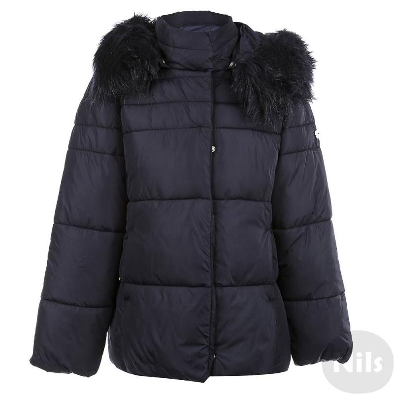 КурткаОсенняя курткатемно-синегоцвета марки Mayoral для девочек. Куртка имеет съемный капюшон на кнопках с отделкой из искусственного меха, которую можно отстегивать. По бокам два кармана. Манжеты рукавов и низ куртки на резиночке. Куртка застегивается на молнию с клапаном на кнопках.<br><br>Размер: 14 лет<br>Цвет: Темносиний<br>Рост: 157<br>Пол: Для девочки<br>Артикул: 620213<br>Страна производитель: Китай<br>Сезон: Осень/Зима<br>Состав: 100% Полиамид<br>Состав подкладки: 100% Полиэстер<br>Бренд: Испания<br>Наполнитель: 100% Полиэстер