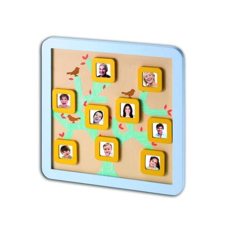 Магнитная доска Семейное деревоДоска магнитная Baby Art Семейной дерево.<br>Магнитная доска Baby Art «Семейное дерево» позволит создать набор из фотографий, которые составят генеалогическое древо вашей семьи. Фотографии размещаются в деревянной рамке под стеклом. Все материалы выполнены из экологически чистых компонентов.<br>Бельгийский производитель детских товаров Baby Art в очередной раз порадовал родителей новым изобретением. Магнитная доска «Семейное дерево» - это прекрасное приспособление для создания вашего генеалогического древа. Доску можно повесить на стену или поставить на стол. Она станет необычным украшением детской комнаты вашего малыша. Создать семейное дерево очень легко. В комплект входят маленькие квадратики на магнитах, в которые можно вставлять фотографии папы, мамы и других родственников. Рамочка выполнена из дерева и рассчитана на 9 фотографий, которые размещаются на ветках нарисованного дерева.<br>Материал: пластик, металл, магнит, бумага.<br>Размер доски: 35,5х35,5х2 см.<br>Размер фоторамки: 6х6х0,9 см.<br>Размер фотографии: 3,5х3,5 см.<br><br>Возраст от: 0 месяцев<br>Пол: Не указан<br>Артикул: 621568<br>Бренд: Бельгия<br>Размер: от 0 месяцев
