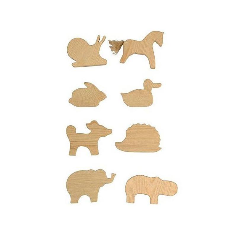 Подвески Животные 8 штПодвески Животные марки Сказки дерева.<br>Набор фигурок - отличная идея для детского творчества. 8 деревянных животных-подвесок можно раскрасить по-своему. Для этого ребенок может использовать краски, фломастеры, карандаши и другие материалы для творчества.<br>В наборе вы найдете 8 небольших фигурок. Они сделаны из натурального массива березы. Деревянные игрушки хорошо отшлифованы и обработаны. Фигурки не оставят заноз и зацепок, их приятно держать в руке. Для декорирования используются и другие натуральные материалы. Например, хвостик лошади сделан из пеньковой веревки.В комплекте от «Сказок дерева» есть разные зверюшки: лошадь, ежик, заяц, улитка, слон, бегемот, утка, собака. Достаточно немного воображения, и простые деревянные фигурки превратятся в веселых друзей.<br><br>Возраст от: 3 года<br>Пол: Не указан<br>Артикул: 622514<br>Бренд: Россия<br>Размер: от 3 лет