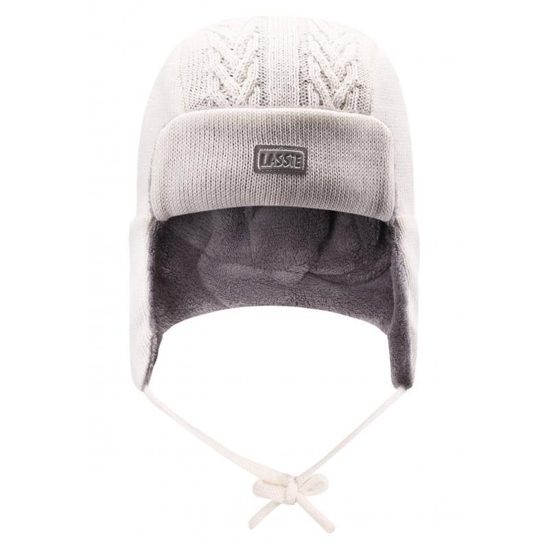ШапкаЗимняя шапка-ушанка белогоцвета марки Lassie by REIMA. Теплая шапка выполнена из смеси натуральной шерсти и акрила, дополнена мягкой флисовой подкладкой. В области ушей специальные ветронепроницаемые вставки. Шапка украшена светоотражающим логотипом и имеет удобные завязки.<br><br>Размер: 2 года<br>Цвет: Белый<br>Размер: 46-48<br>Пол: Не указан<br>Артикул: 622263<br>Страна производитель: Китай<br>Сезон: Осень/Зима<br>Состав: 50% Шерсть, 50% Акрил<br>Состав подкладки: 100% Полиэстер<br>Бренд: Финляндия