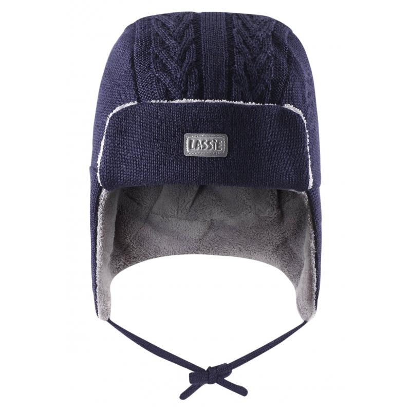 ШапкаЗимняя шапка-ушанкатемно-синегоцвета марки Lassie by REIMA для мальчиков. Теплая шапка выполнена из смеси натуральной шерсти и акрила, дополнена мягкой флисовой подкладкой. В области ушей специальные ветронепроницаемые вставки. Шапка украшена светоотражающим логотипом и имеет удобные завязки.<br><br>Размер: 12 месяцев<br>Цвет: Темносиний<br>Размер: 44-46<br>Пол: Для мальчика<br>Артикул: 622272<br>Страна производитель: Китай<br>Сезон: Осень/Зима<br>Состав: 50% Шерсть, 50% Акрил<br>Состав подкладки: 100% Полиэстер<br>Бренд: Финляндия