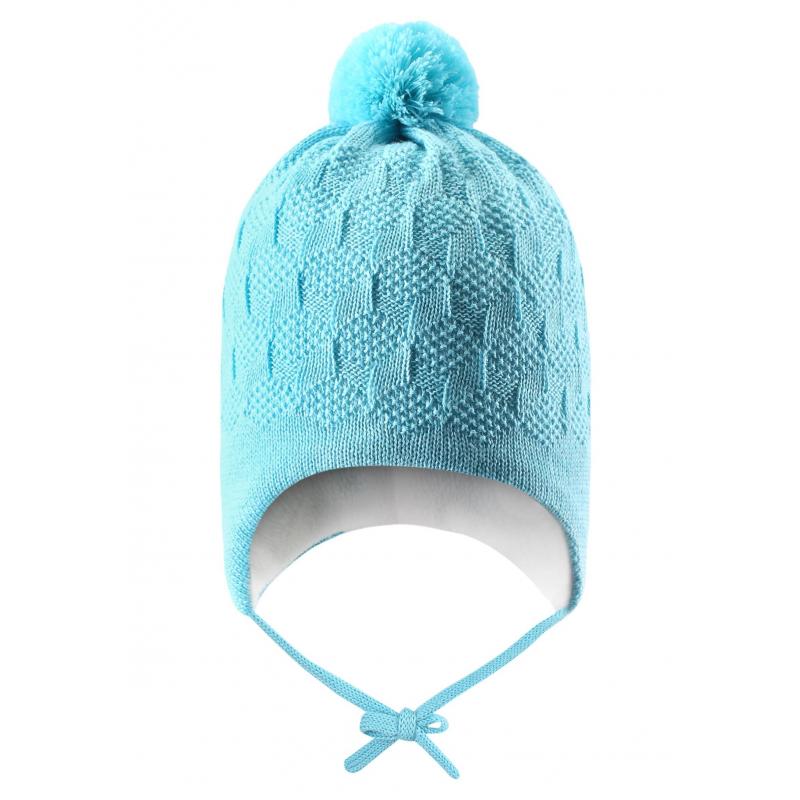 ШапкаЗимняя шапка бирюзовогоцвета марки Lassie by REIMA. Теплая шапка выполнена из смеси натуральной шерсти и акрила, дополнена мягкой флисовой подкладкой. В области ушей специальные ветронепроницаемые вставки. Шапка украшена помпоном на макушке, имеет удобные завязки и светоотражающий элемент сзади.<br><br>Цвет: Бирюзовый<br>Размер шапки: 48<br>Пол: Для девочки<br>Артикул: 622259<br>Бренд: Финляндия<br>Страна производитель: Китай<br>Сезон: Осень/Зима<br>Состав: 50% Шерсть, 50% Акрил<br>Состав подкладки: 100% Полиэстер<br>Размер: Без размера