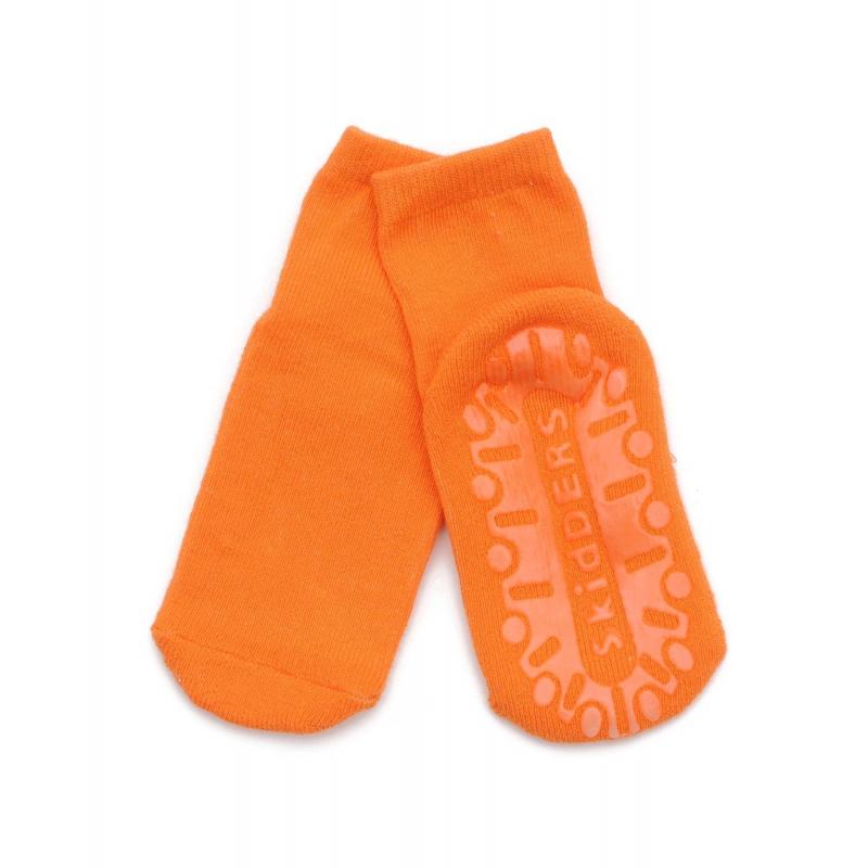 НоскиНоски оранжевогоцвета марки Skiddersс противоскользящим покрытиемдлямалышей.<br>Однотонные носки оранжевогоцвета выполнены из хлопкового трикотажа с добавлением эластичных волокон, подойдут для активных малышей, которые любят бегать по дому босиком. Теперь родителям не нужно волноваться за безопасность своего крохи, ведь по всей подошве имеется напыление противоскользящего материала.<br><br>Размер: 2 года<br>Цвет: Оранжевый<br>Рост: 92<br>Пол: Не указан<br>Артикул: 623010<br>Страна производитель: Китай<br>Сезон: Всесезонный<br>Состав: 85% Хлопок, 13% Нейлон, 2% Лайкра<br>Бренд: США