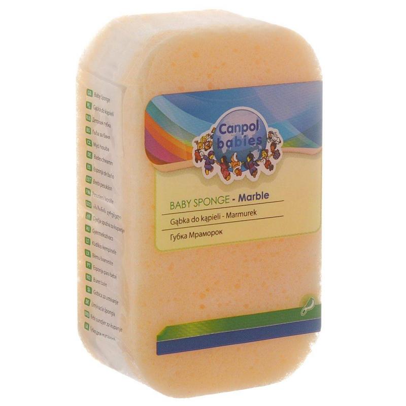 ГубкаГубка для купания Сanpol Babies оранжевогоцвета.Губку Сanpol можно использовать для купания и очищения кожи детей с самых первых дней жизни. Она сделана из безопасного для здоровья крохи материала, имеет приятный вид. Губка не будет царапать кожу при мытье, она хорошо помещается в руке взрослого человека.<br>Для бережного и нежного мытья тонкой чувствительной кожи малыша необходимо использовать исключительно мягкие материалы. Губка Сanpol поможет вам с легкостью вымыть вашего кроху, прикладывая минимум усилий.Губка Сanpol сделана из безопасного пенополиуретана, она отлично пенит гели и средства для купания, благодаря своим многочисленным порам.Губка имеет классический дизайн с мраморным рисунком, прямоугольную форму с закругленными углами.Подходит для ежедневного мытья детей с самого рождения, а также для мытья взрослых, имеющих крайне чувствительную кожу.<br><br>Возраст от: 0 месяцев<br>Пол: Не указан<br>Артикул: 623647<br>Бренд: Польша<br>Размер: от 0 месяцев