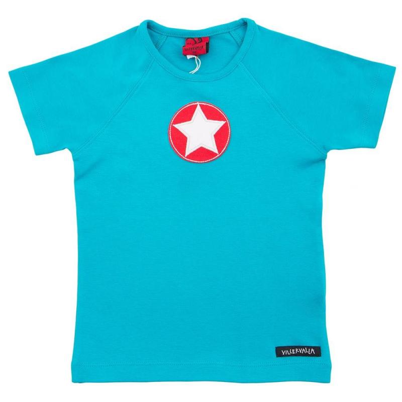 ФутболкаФутболка голубого цвета маркиVillervalla для мальчиков.<br>Модная футболка - отличный вариант универсальной одежды для весенне-летнего сезона. Она сшита из мягкого хлопкового трикотажа. Декорирована футболка оригинальным принтом.<br>Одежда шведской компании Villervalla отличается яркими цветами, оригинальным внешним видом и подчеркнутой индивидуальностью. Она производится только из тщательно проверенных и безопасных для ребенка материалов. Качество швов и продуманный крой делает вещи от Villervalla очень комфортными и красивыми.<br><br>Размер: 3 года<br>Цвет: Голубой<br>Рост: 98<br>Пол: Для мальчика<br>Артикул: 624694<br>Сезон: Весна/Лето<br>Состав: 100% Хлопок<br>Бренд: Швеция