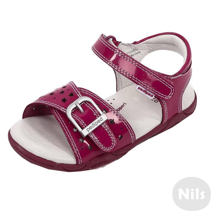БосоножкиБосоножки ярко-розовогоцвета марки Pediped длядевочек.<br>Босоножкиразработаны и произведены американской компанией Pediped, которая выпускает качественную и красивую обувь для детей. Босоножкиотносятся к серии Flexc технологиейFlex Fit Systemсдополнительной 2 мм стелькой, которая позволяет корректировать размер. Декорированы босоножки перфорацией с рисунком. Застегиваются с помощью удобной липучки.Данная модель произведена с использованием технологии G2 Technology: она характеризуется наличием специальной мягкой подошвы, закругленных углов на обуви,которые имитируют естественную форму стопы, обеспечивают отсутствие сдавливания пальчиков ног.Каучуковая подошва не скользит и не пачкает пол. Босоножкиможно носить как на улице, так и в помещении.<br>Обувь марки Prdipedотличается повышенной износостойкостью, обладает грязеотталкивающими и гипоаллергенными свойствами.<br><br>Размер: 28<br>Цвет: Малиновый<br>Пол: Для девочки<br>Артикул: 625429<br>Страна производитель: Китай<br>Сезон: Всесезонный<br>Материал верха: Натуральная кожа<br>Материал подкладки: Натуральная кожа<br>Материал подошвы: Каучук<br>Бренд: США