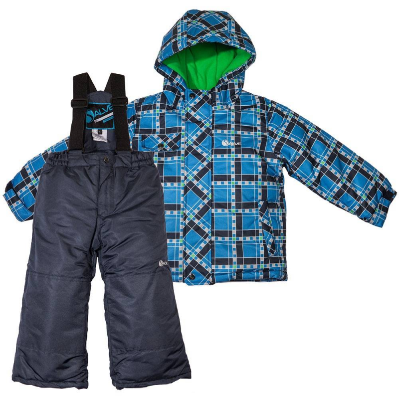 КомплектКомплект куртка и брюкисинегоцвета российско-канадского брендаSalve для мальчиков.<br>Комплект из куртки и брюкSalve – это подходящий выбор для осенне-зимнего периода. Изделия обладают отличными характеристиками, которые позволяют выдерживать температурный режим до 30 градусов мороза. Для верха применяется материал Taslan, который обеспечивает защиту от ветра и влаги, для наполнителя используется тонковолокнистый полиэстеровый утеплитель, а для подкладки – мягкий флис. Синяякуртка с рисунком в клетку удачно сочетается с однотонными темно-синими брюками на бретельках. Для удобства у куртки предусмотрены застежка-молния, карманы, высокий воротник, рукав с липучкой на манжете и глубокий капюшон. Модель брюкпрямого кроя фиксируется на поясе эластичной резинкой и регулируемыми эластичными лямками.Изделие обладает защитой от снега на штанине (гетра на резинке) и дополнительными вставками от изнашивания.<br><br>Размер: 7 лет<br>Цвет: Синий<br>Рост: 122<br>Пол: Для мальчика<br>Артикул: 624770<br>Страна производитель: Китай<br>Сезон: Осень/Зима<br>Состав верха: 100% Полиамид<br>Состав подкладки: 100% Полиэстер<br>Бренд: Россия<br>Наполнитель: 100% Полиэстер<br>Температура: от -10° до -30°