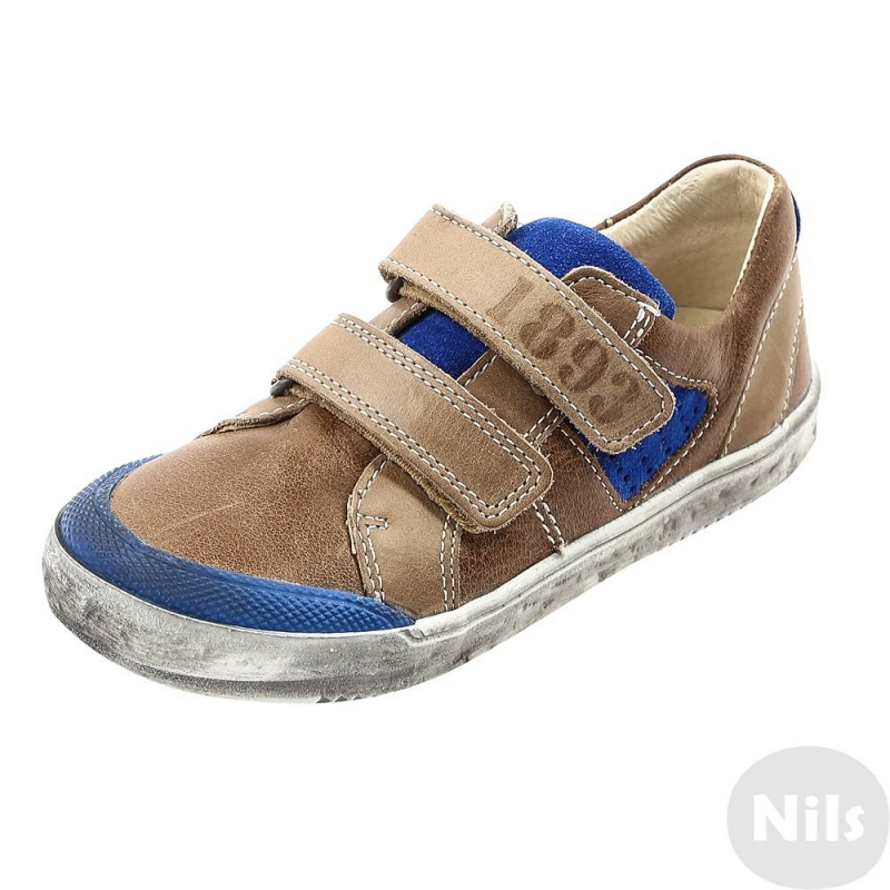 БотинкиБотинки коричневого цвета с синими вставкамимарки Richter для мальчиков. Ботинки выполнены из натуральной кожи, подкладка и стелька также выполнены из натуральной кожи. Подошва из качественной резины с декоративными потертостями не скользит. Застегиваются ботинки на удобные липучки.<br><br>Размер: 23<br>Цвет: Коричневый<br>Пол: Для мальчика<br>Артикул: 625700<br>Бренд: Австрия<br>Сезон: Всесезонный<br>Материал верха: Натуральная кожа<br>Материал подкладки: Натуральная кожа<br>Материал стельки: Натуральная кожа<br>Материал подошвы: Резина