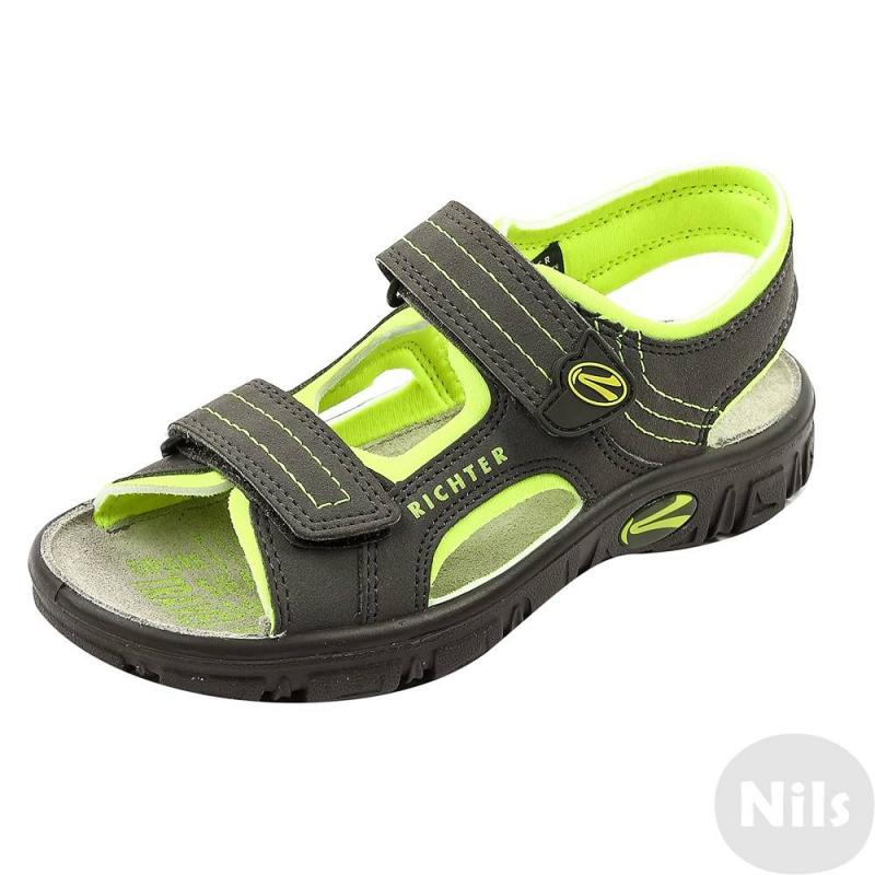 СандалииСандалии темно-серого цвета с яркими салатовыми вставками марки Richter для мальчиков. Легкие открытые сандалии выполнены из текбука (искусственный нубук), мягкая текстильная подкладка сшита из неопрена. Стелька из натуральной кожи износостойкая и приятная на ощупь. Удобные застежки-липучки позволяют отрегулировать сандалии по ноге и облегчают процесс переобувания. Очень легкая гибкая подошва не скользит.<br><br>Размер: 28<br>Цвет: Салатовый<br>Пол: Для мальчика<br>Артикул: 625815<br>Сезон: Весна/Лето<br>Материал верха: Искусственная кожа<br>Материал подкладки: Текстиль<br>Материал стельки: Натуральная кожа<br>Материал подошвы: Полиуретан<br>Бренд: Австрия