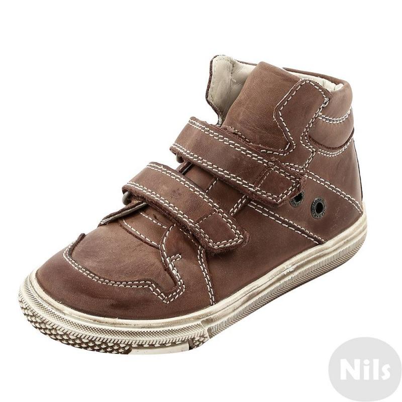 Ботинки - RichterБотинки коричневого цвета марки Richter для мальчиков. Верх, подкладка и стелька выполнены из натуральной кожи. Стелька снимается, за счет этого можно регулировать полноту обуви - для обычной или широкой стопы.Подошва из качественной резины не скользит. Застегиваются ботинки на удобные липучки.<br><br>Размер: 31<br>Цвет: Коричневый<br>Пол: Для мальчика<br>Артикул: 625789<br>Сезон: Всесезонный<br>Материал верха: Натуральная кожа<br>Материал подкладки: Натуральная кожа<br>Материал стельки: Натуральная кожа<br>Материал подошвы: Резина<br>Бренд: Австрия