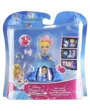 Кукла Princess в платье с волшебной юбкой