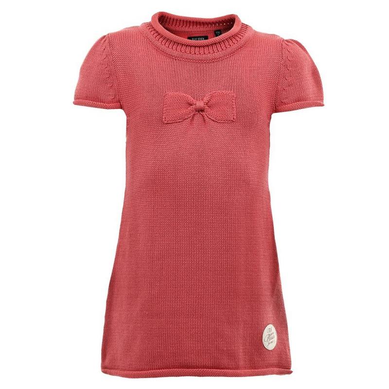 ПлатьеТемно-розовое трикотажное платье марки BLUE SEVEN для девочек. Платье с коротким рукавом из смешанного трикотажа крупной вязки. Платье украшено вязаным бантом и нашивкой на подоле.<br><br>Размер: 7 лет<br>Цвет: Красный<br>Рост: 122<br>Пол: Для девочки<br>Артикул: 602311<br>Бренд: Германия<br>Страна производитель: Бангладеш<br>Сезон: Осень/Зима<br>Состав: 40% Хлопок, 40% Акрил, 20% Полиамид