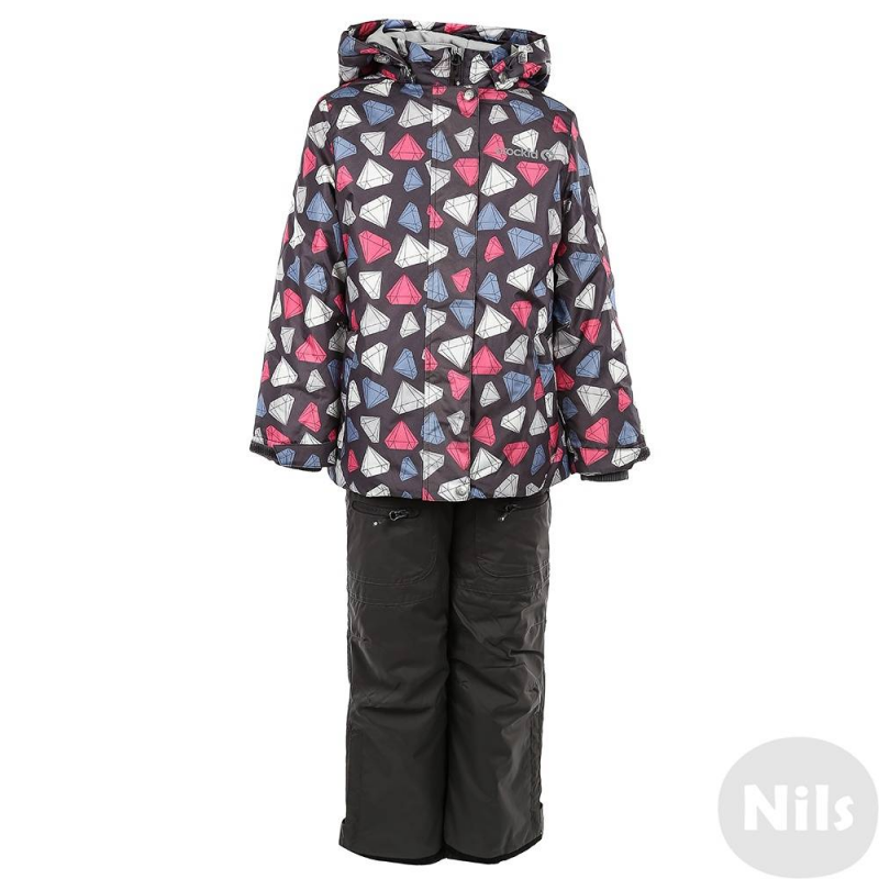 КомплектЗимний комплект серогоцвета с рисунком розового цвета марки Crockid для девочеквыполнен из водо- и ветронепроницаемого материала, который дышит и эффективно выводит лишнюю влагу в виде пара. Мембрана 5000 мм. Легкий и комфортный утеплитель нового поколения Fellex прекрасно сохраняет тепло, дышит.<br>Куртка имеет мягкую флисовую подкладку, съемный капюшон на кнопках, двакармана на молнии, удобные трикотажные манжеты, а также множество светоотражающих деталей для безопасности ребенка. Молния непромокаемая. Низ куртки регулируется эластичным шнурком со стопперами. Манжеты дополнены трикотажной резинкой, а также регулируются липучками.<br>Теплые брюки серого цвета на эластичных регулируемых подтяжках имеют два кармана на молнии, внутренние манжеты для защиты от снега и светоотражающие детали.Низ штанин регулируется по ширине с помощью липучек, а также застегивается на молнию.<br><br>Размер: 9 лет<br>Цвет: Темносерый<br>Рост: 128-134<br>Пол: Для девочки<br>Артикул: 626389<br>Страна производитель: Китай<br>Сезон: Осень/Зима<br>Состав: 80% Полиэстер, 20% Полиуретан<br>Состав низа: 70% Нейлон, 30% Полиуретан<br>Состав подкладки: 100% Полиэстер<br>Бренд: Россия<br>Наполнитель: 100% Полиэстер<br>Температура: до -20°