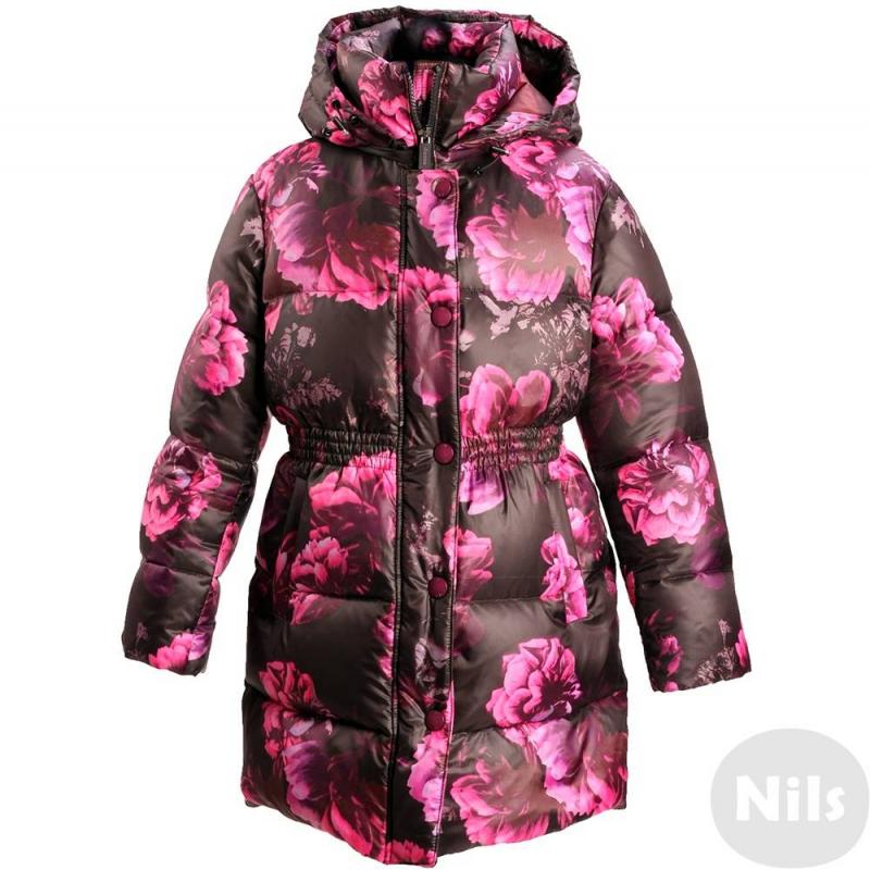 ПальтоПальто-пуховик черногоцвета марки JUMS для девочек.Теплая удлиненная курткаот латвийского бренда JUMS обязательно понравится девочкам. Яркий принт с цветамипривлекает внимание. Пальто имеет приталенный силуэт. Благодаря материалу, из которого выполнен верх изделия, пальтоприобрело особую прочность и водонепроницаемость. Есть съемный регулируемый капюшон и два кармана.Это стильное пальто убережет ребенка от холода в морозные месяцы: его наполнитель на 90% состоит из гусиного пуха и на 10% - из пера.<br><br>Размер: 7 лет<br>Цвет: Черный<br>Рост: 122<br>Пол: Для девочки<br>Артикул: 626086<br>Страна производитель: Латвия<br>Сезон: Осень/Зима<br>Состав: 100% Полиэстер<br>Состав подкладки: 59% Полиэстер, 41% Полиамид<br>Бренд: Латвия<br>Наполнитель: 90% Пух, 10% Перо<br>Температура: до -20°