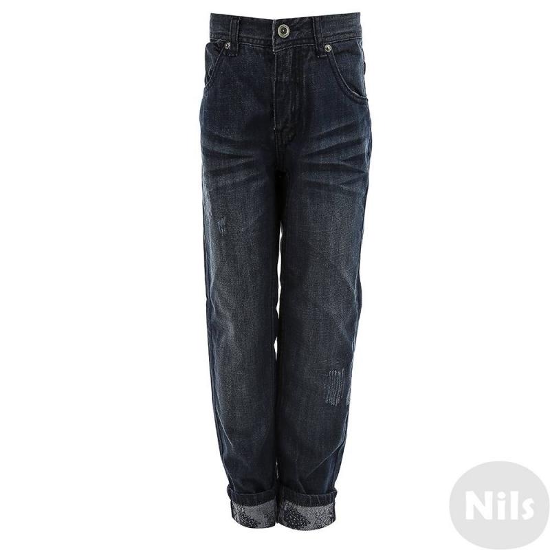 ДжинсыСиние джинсы марки Gulliver для мальчиков. Джинсы прямого кроя с пятью карманами выполнены из качественного синего денима со стильным эффектом потертости. Регулируемый пояс на резинке обеспечивает отличную посадку на талии. Обратная сторона ткани украшена узором, поэтому джинсы особенно хорошо смотрятся, если их подвернуть.<br><br>Размер: 10 лет<br>Цвет: Синий<br>Рост: 140<br>Пол: Для мальчика<br>Артикул: 626574<br>Страна производитель: Китай<br>Сезон: Всесезонный<br>Состав: 100% Хлопок<br>Бренд: Россия