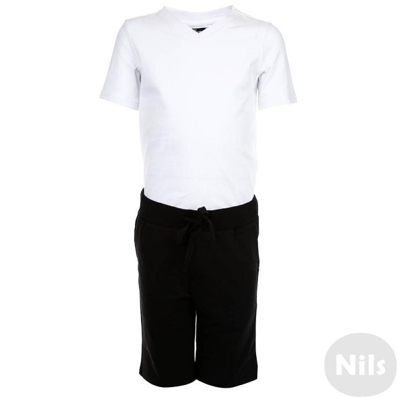 КомплектКомплект футболка + шорты марки Gulliver для мальчиков. Футболка белого цвета имеет короткий рукав, выполнена из хлопкового трикотажа с добавлением эластана. Шорты черного цвета выполнены из плотного хлопкового трикотажа, дополнены двумя карманами, имеют широкую резинку на поясе и завязываются на шнурок.<br>В комплект входит мешок на завязках с принтом и логотипом бренда.<br><br>Размер: 7 лет<br>Цвет: Черный<br>Рост: 122<br>Пол: Для мальчика<br>Артикул: 626458<br>Страна производитель: Китай<br>Сезон: Всесезонный<br>Состав верха: 95% Хлопок, 5% Эластан<br>Состав низа: 95% Хлопок, 5% Эластан<br>Бренд: Россия