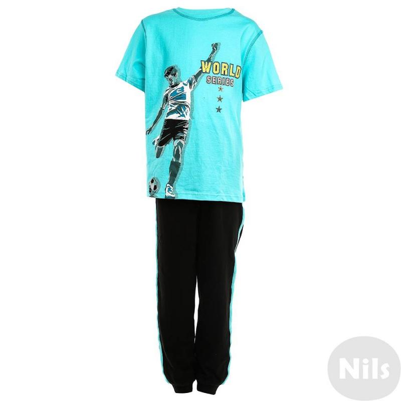 ПижамаПижама черно-голубогоцвета марки Pelican для мальчиков. Состоит из футболки с коротким рукавом и трико. Пижама выполнена из хлопкового материала. На футболку нанесен принт с футболистом.<br><br>Размер: 8 лет<br>Цвет: Голубой<br>Рост: 128<br>Пол: Для мальчика<br>Артикул: 628889<br>Страна производитель: Китай<br>Сезон: Всесезонный<br>Состав: 100% Хлопок<br>Бренд: Россия